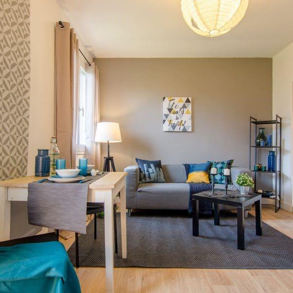 studio vide villejust compresse par homestaging ile de france 600x600 1