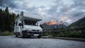 Hiverner un camping-car : le guide pratique